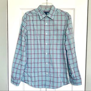 GAP Men's Classic Fit Button Up Checked Shirt
